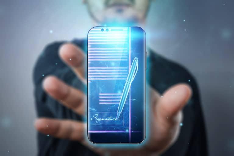 la firma elettronica realizzata in app per sottoscrivere documenti aziendali